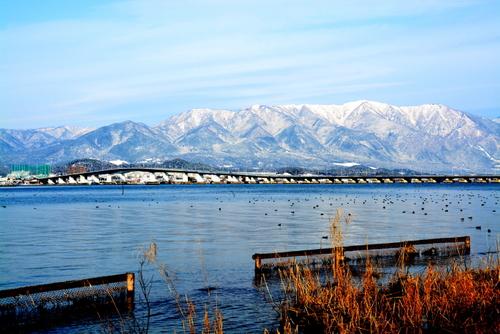 1-14.01.26 比良山地の雪山と琵琶湖大橋-3.jpg