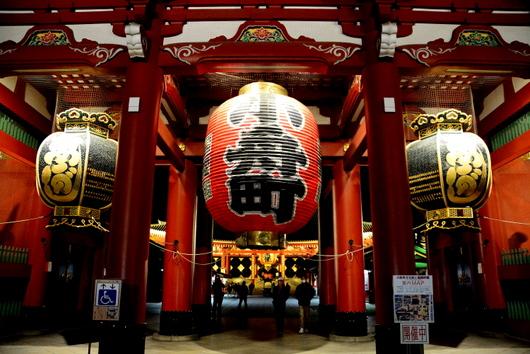 1-14.03.22 夜の浅草寺宝蔵門-2.jpg