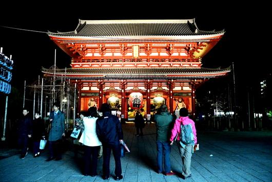 1-14.03.22 夜の浅草寺宝蔵門.jpg