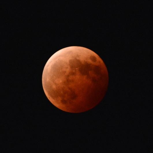 1-14.10.09 皆既月食.jpg