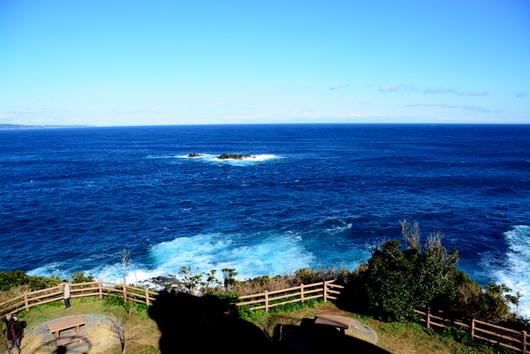 1-16.01.23 樫野崎灯台より熊野灘を望む.jpg