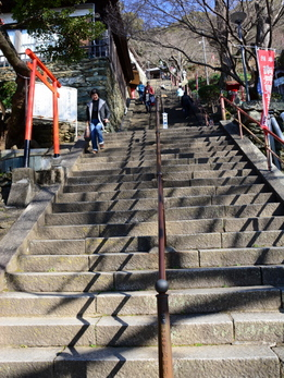 1-16.03.10 2番 紀三井寺石段.jpg