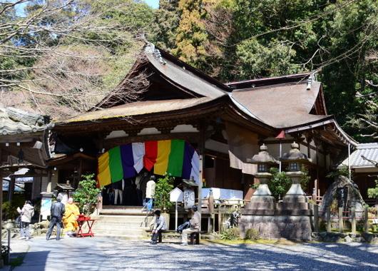 1-16.04.23 12番 岩間寺本堂.jpg