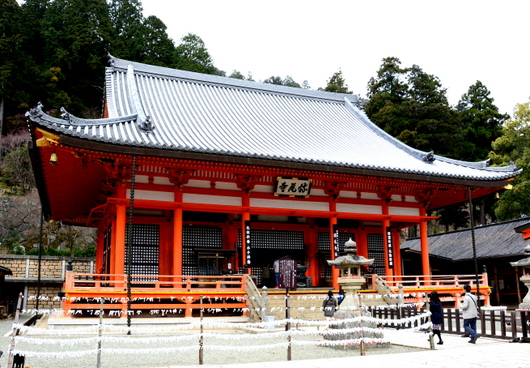 1-16.05.29 23番 勝尾寺本堂.jpg
