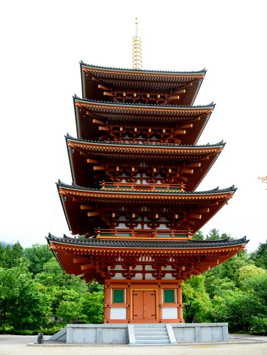 1-16.06.26 28番 成相寺、五重塔.jpg