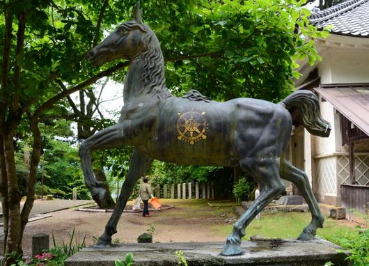1-16.07.04 29番 松尾寺.馬の像.jpg