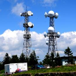 1-16.07.18 横手山山頂無線中継アンテナ.jpg