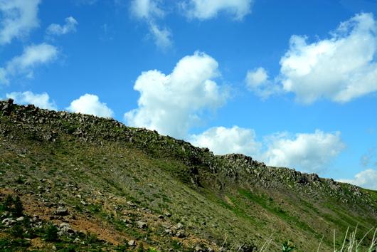 1-16.07.21 車窓に見る溶岩流.jpg