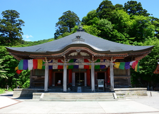 1-17.06.05 大山寺本堂.jpg
