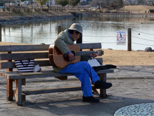 1-18.02.15 ギターの弾き語り.jpg