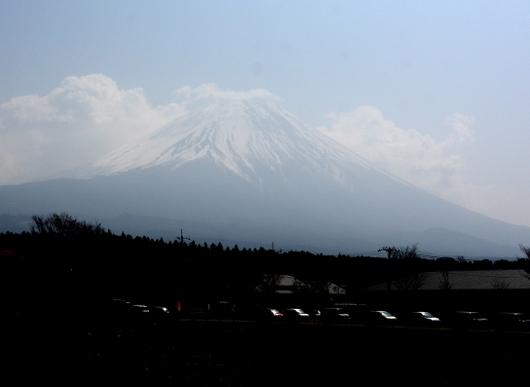1-18.04.07 朝霧高原.jpg