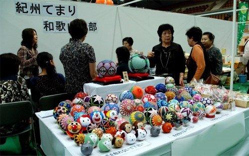 s-08.10.12商工祭.てまり展示.jpg