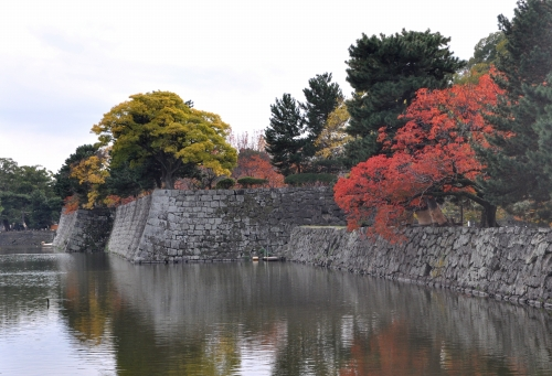 s-10.11.28 和歌山城公園.お濠.jpg