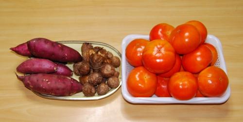 s-13.12.05 柿.里芋.さつま芋.jpg