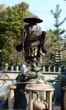 1-16.03.19 5番 葛井寺 大師像.jpg