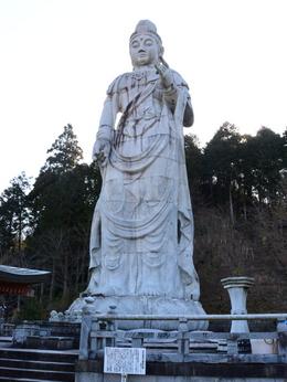 1-16.03.24 6番 壺阪寺大観音石像.jpg
