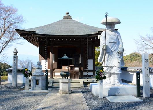 1-16.03.27 7番 岡寺修行大師像.jpg