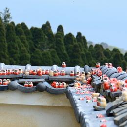 1-16.05.29 23番 勝尾寺境内のダルマ-2.jpg