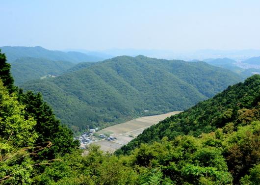 1-16.06.14 27番 圓教寺 参道からの眺め.jpg