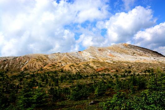 1-16.07.21 草津温泉側から見た白根山.jpg