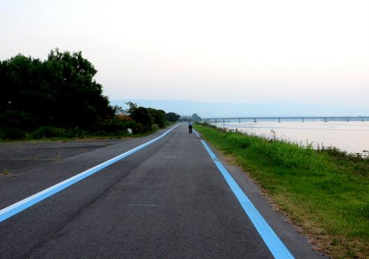 1-17.07.23 早朝散歩-2.jpg