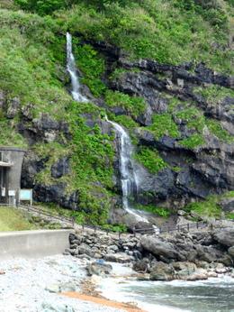 1-18.05.19 垂水の滝.jpg