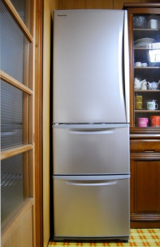 s-09.10.28 購入した冷凍冷蔵庫.jpg