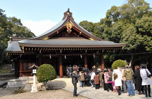 s-10.01.04 竃山神社.初詣.jpg